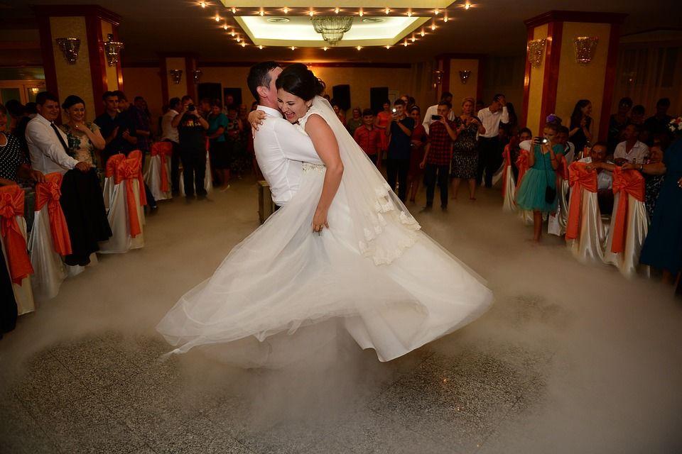 Droogijs effect op bruiloft